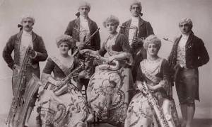 Первый оркестр саксофонов 1870 год